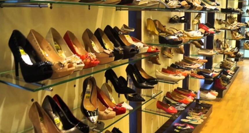 Las ventas en zapaterías bajaron un 40%