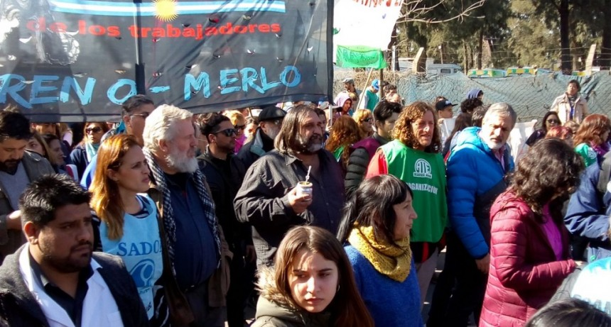"""Oscar de Isasi: """"Si los trabajadores no luchamos, nos pasan a degüello"""""""