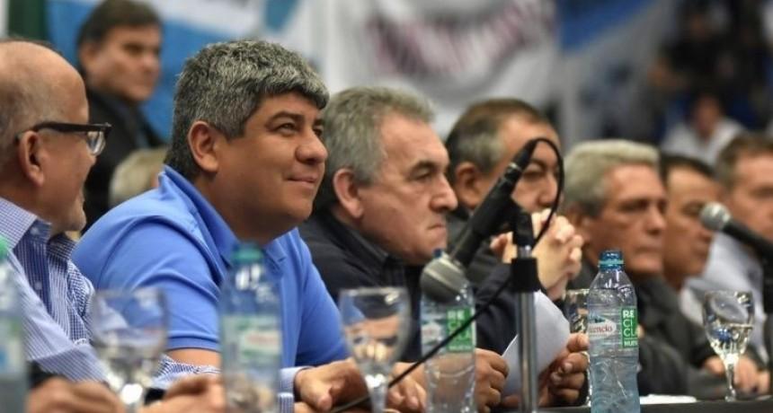 El triunviro de la CGT quedó entre dos fuegos: Macri y el moyanismo