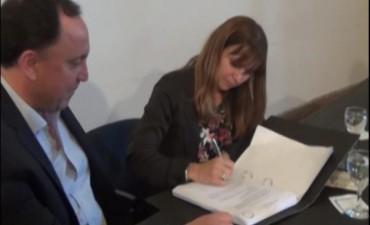 Las Heras: Valeria Castiglione juró como intendenta interina