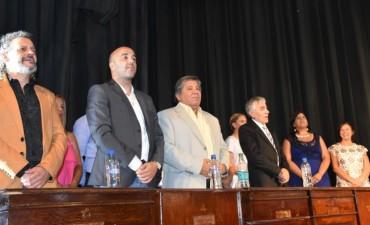 Merlo: En el Teatro Municipal juraron los nuevos concejales