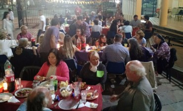 Quilmes: El obispo Tissera compartió la Cena de Nochebuena con personas en situación de calle