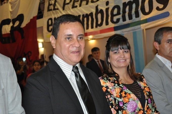 """San Vicente: El """"otro"""" Mauricio que gobierna de espaldas al pueblo, pero rodeado de su familia"""