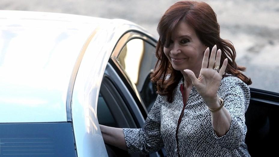 Cristina regresa a la Argentina y retoma su actividad al frente del Senado