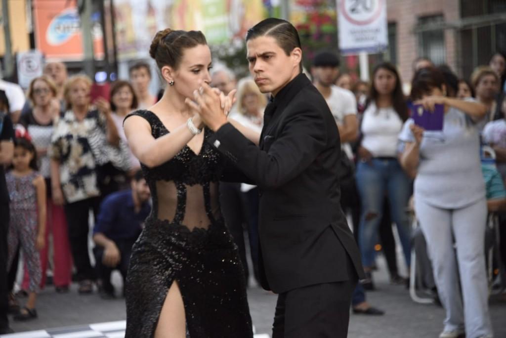Tarde-noche de Tango en Malvinas Argentinas