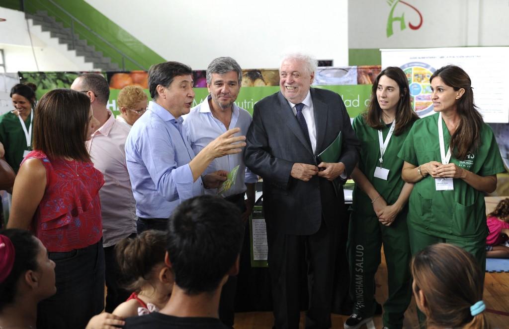 Hurlingham: Zabaleta, Arroyo y Ginés González García participaron de la entrega de tarjetas AlimentAR