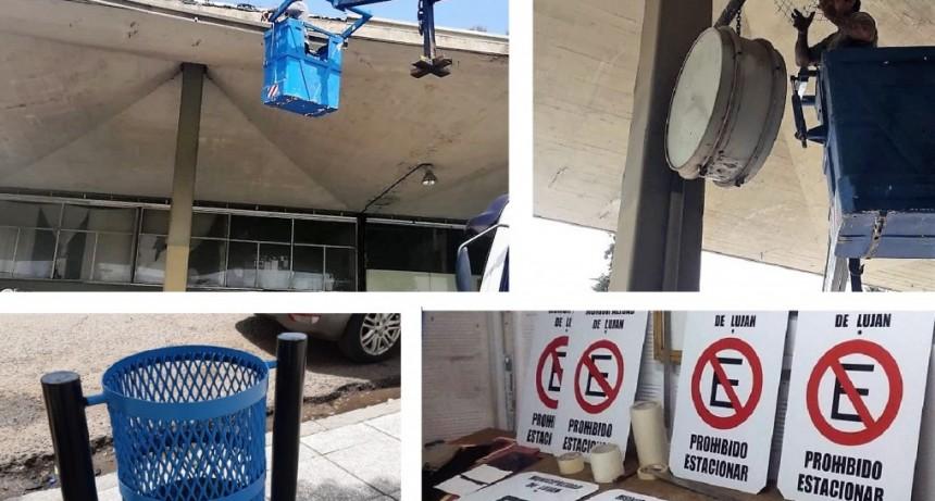 Luján: Reparación de mobiliario en la Terminal y colocación de señales de tránsito