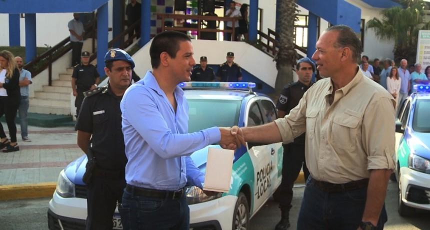 Partido de la Costa: Berni entregó diez patrulleros a la Policía Local junto al intendente Cardozo
