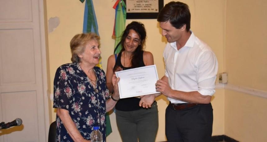 """San Vicente: Ante un auditorio colmado, Mantegazza y la Prof. Haydée Epifanio inauguraron el Ciclo """"Memoria es Futuro"""""""