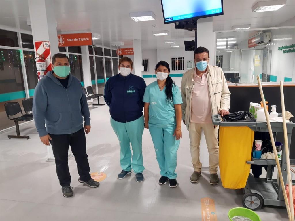 Zárate: El intendente Cáffaro saludó a los trabajadores municipales que cumplían turnos durante la noche del 31 y madrugada del 1° de enero
