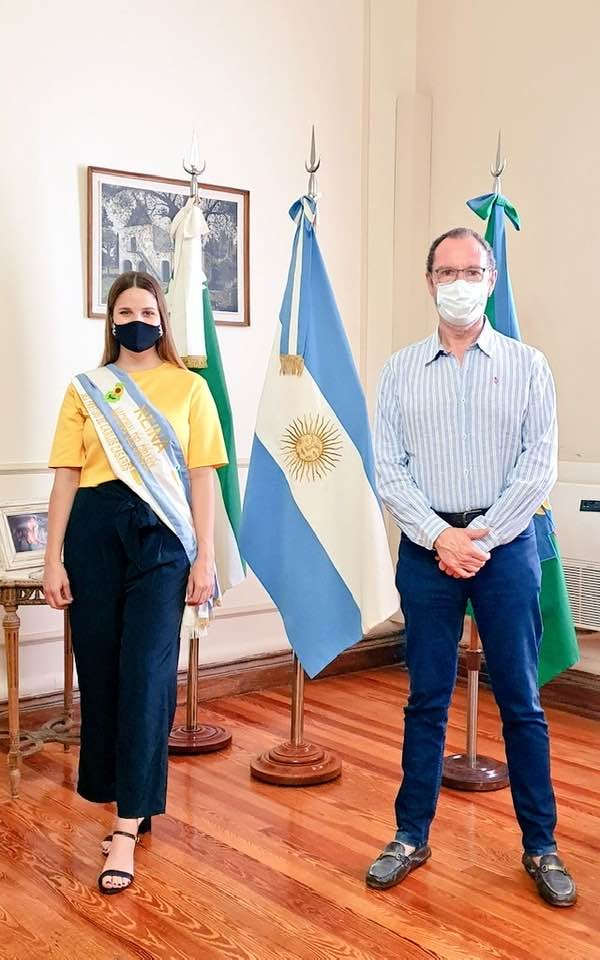 Carlos Casares: El Intendente Torchio junto a La Reina del Girasol