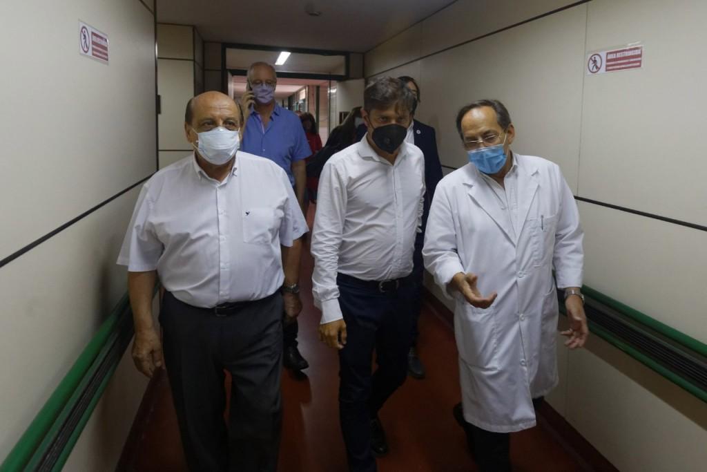 Berazategui: Kicillof visitó el operativo de vacunación en el Hospital Evita Pueblo