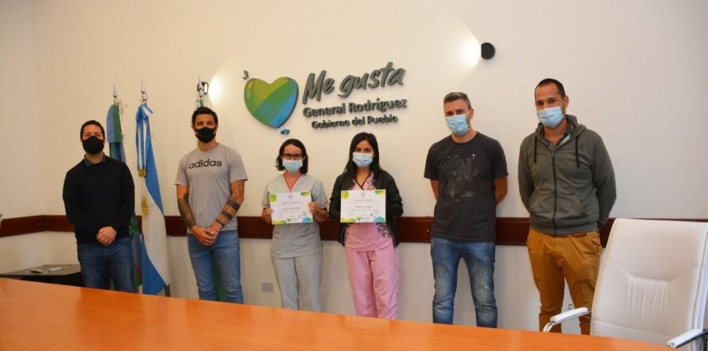 Gral. Rodríguez: El Intendente Mauro García entregó un reconocimiento municipal atrabajadoras de la salud
