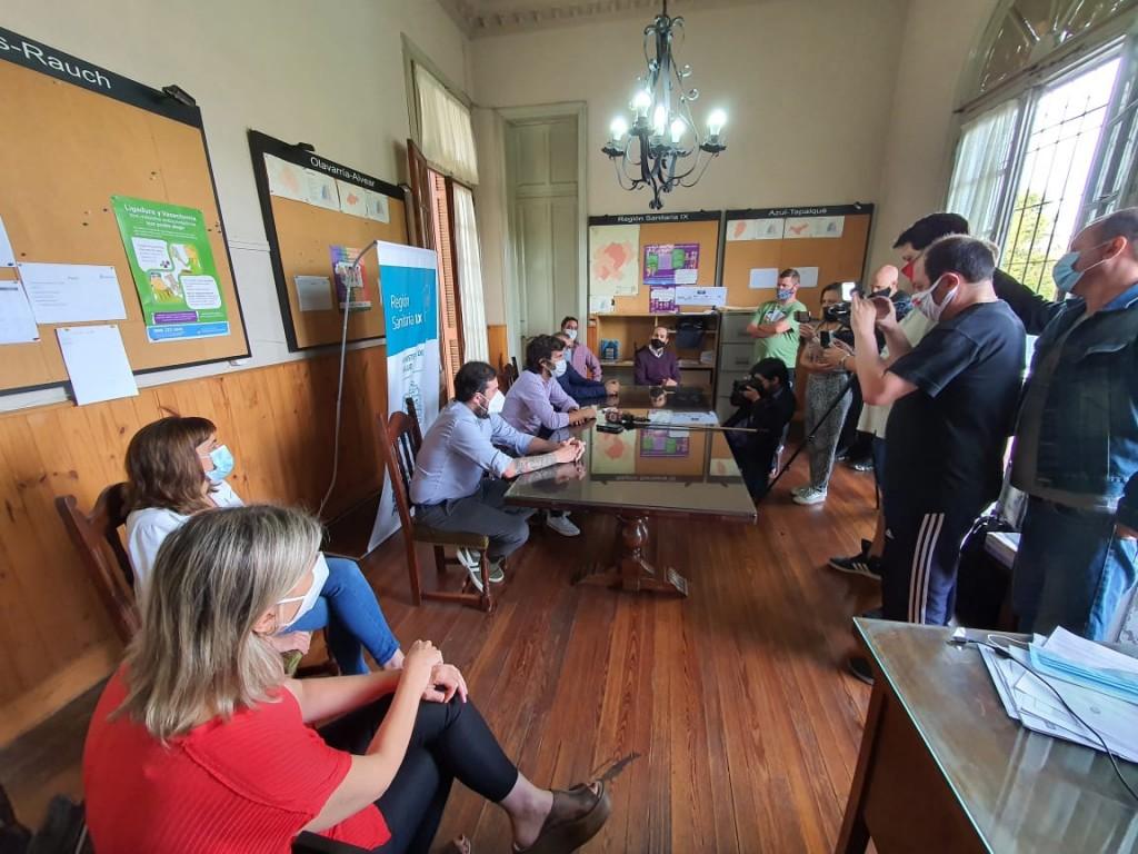 Azul: Se conformó una mesa de gestión articulada para la siguiente etapa de vacunación