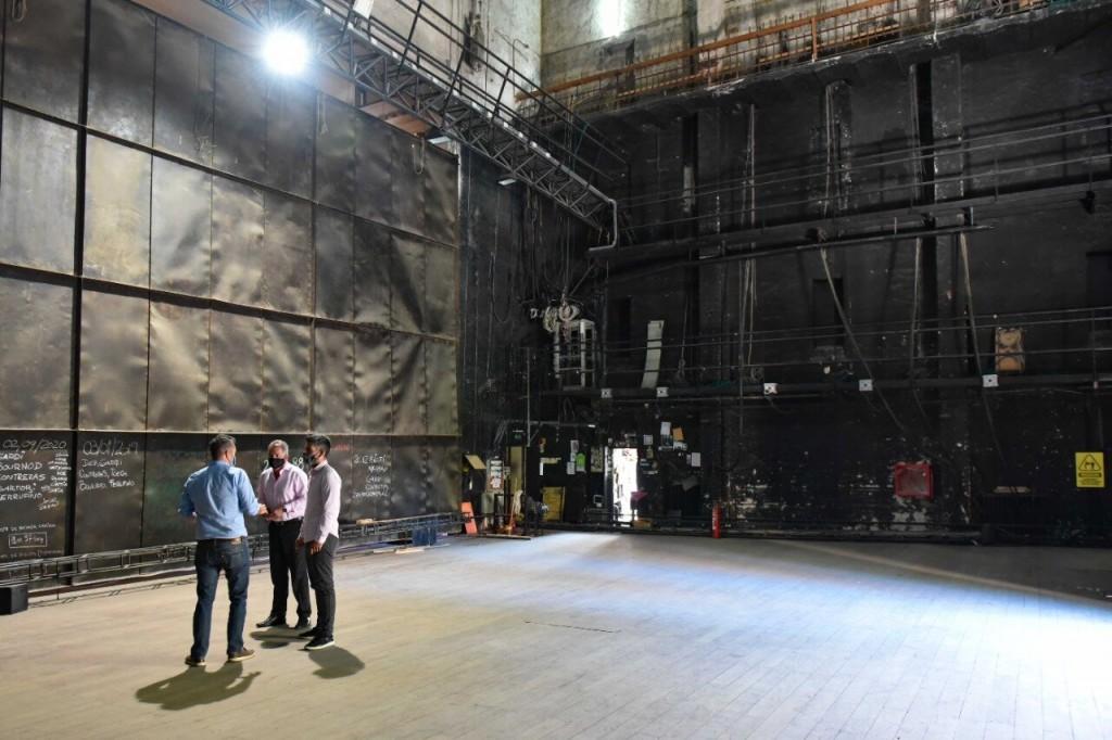 B. Blanca: El intendente recorrió las instalaciones del Teatro Municipal