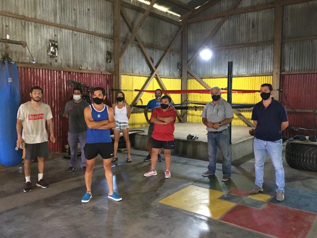Gral. Villegas: Daniel Cepa y el Concejal Sebastián Cerrajería visitaronla escuela de Box Municipal