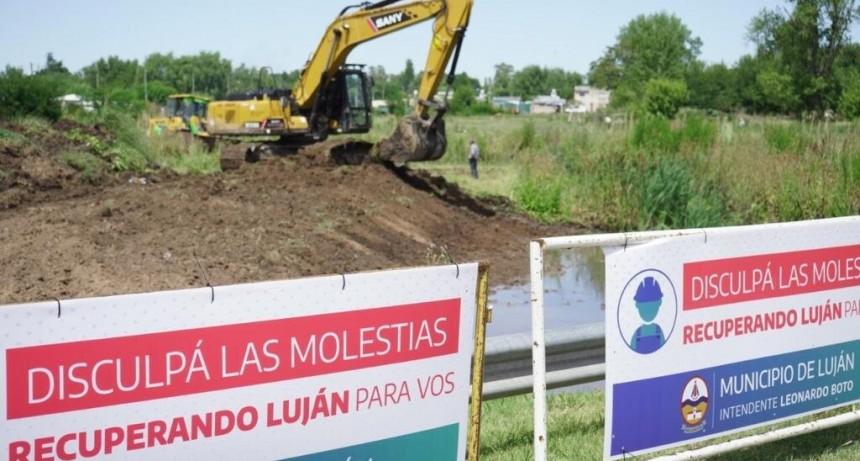 Luján: El Municipio puso en marcha obras de saneamiento del arroyo Lanusse