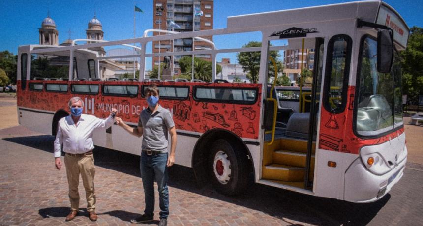 Morón: El municipio recibió un micro donado por la Empresa 216