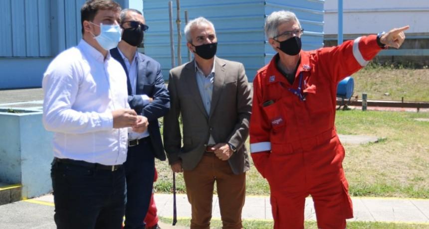 Avellaneda: El intendente Chornobroff visitó la planta que produce los combustibles Shell