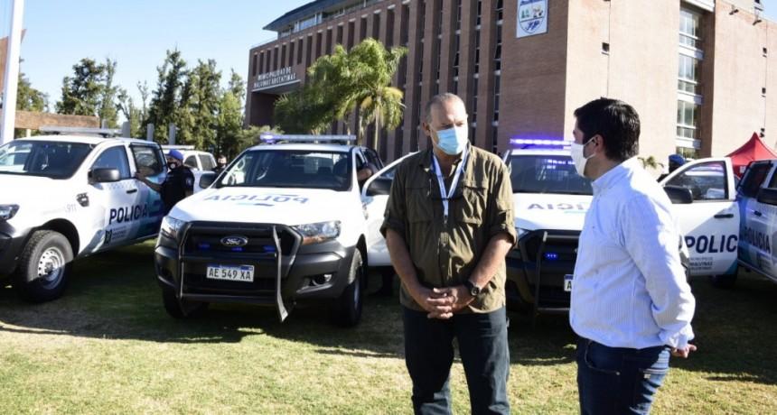 Malvinas Argentinas: Leo Nardini y Sergio Berni presentaron nuevos patrulleros para el distrito