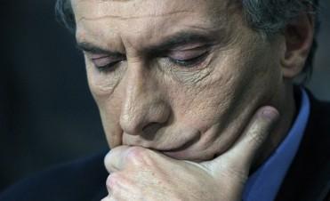 """Según Wall Street Journal, Macri """"está jugando con fuego"""" y """"no hay certeza"""" de que complete su mandato"""
