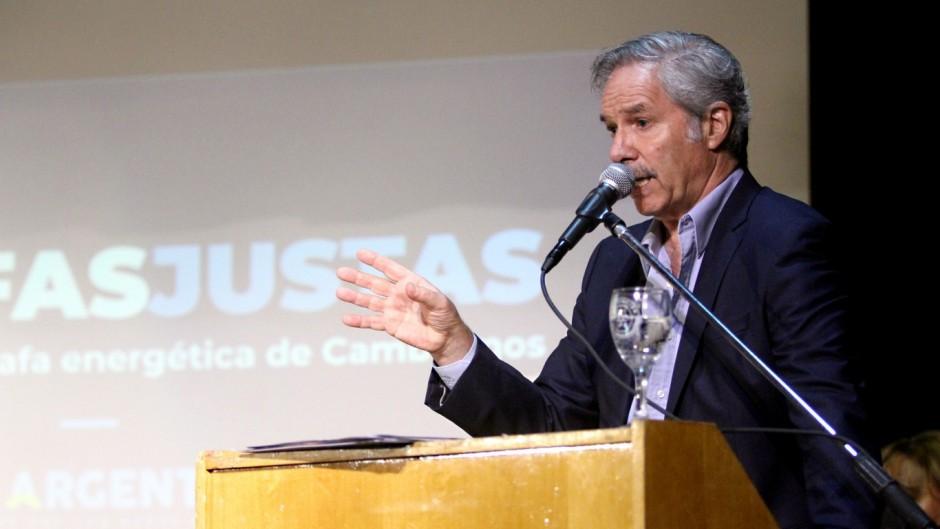 """Solá presentó plan de ´tarifas planas´ y denunció que """"fue una estafa gigante de Cambiemos"""