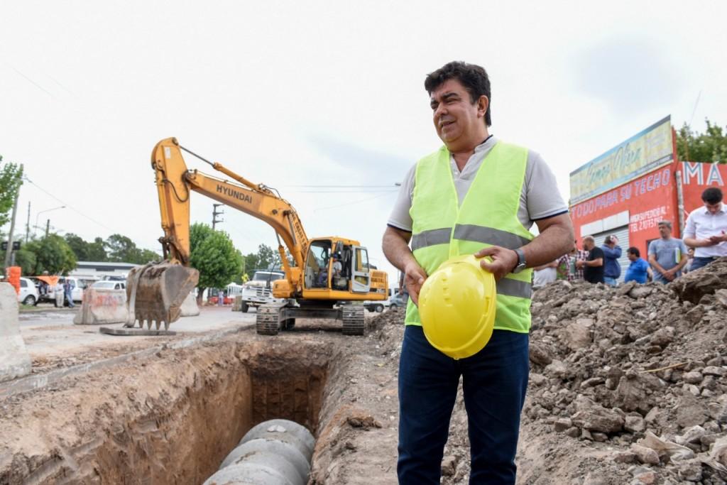 Espinoza recorrió obra hidráulica que beneficia a 130 mil vecinos de Rafael Castillo