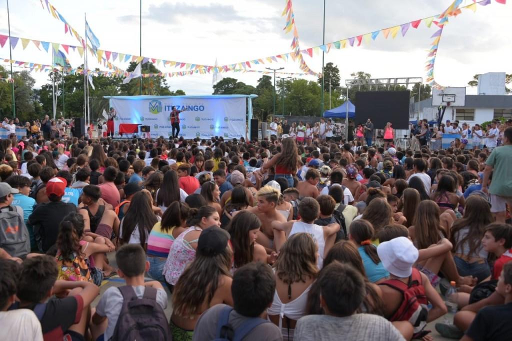Ituzaingo: Cierre multicolor y divertido de las Colonias en el polideportivo La Torcaza