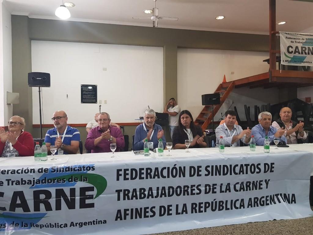 """Pedro Montiel: """"Al prohibir que los trabajadores descarguen una media res al hombro, cuidamos la salud de los compañeros y la higiene del consumidor"""""""