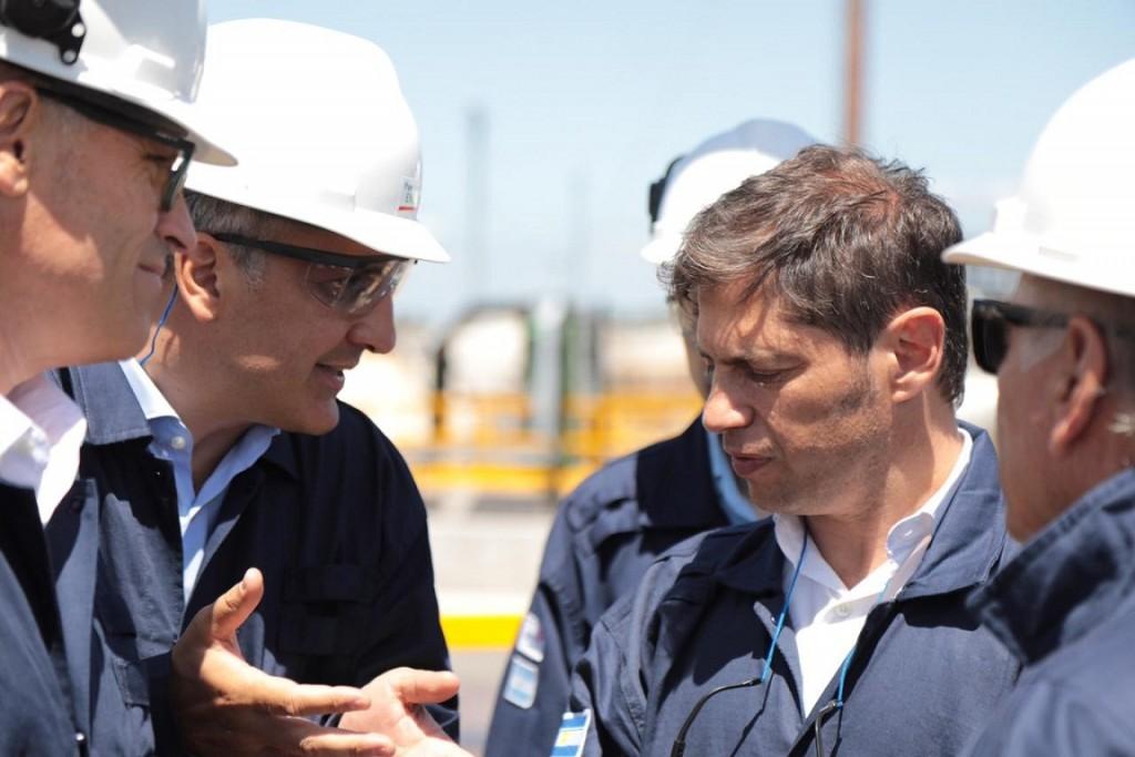 Campana: El gobernador Axel Kicillof recorrió la refinería de AXION Energy