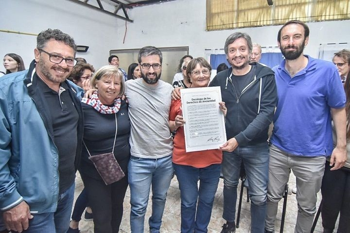 Hurlingham: Máximo Kirchner visitó el Centro de Jubilados de Villa Tesei