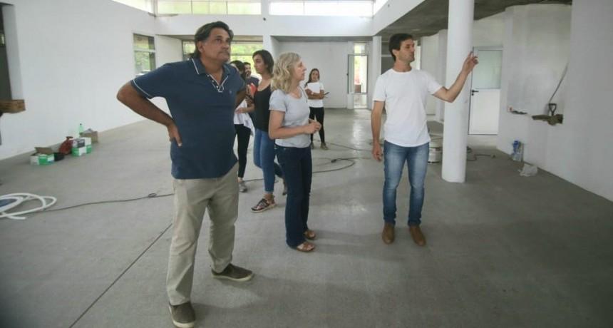 """Mantegazza: """"Tomamos la decisión de terminar el edificio del Jardín 916 con fondos municipales"""""""