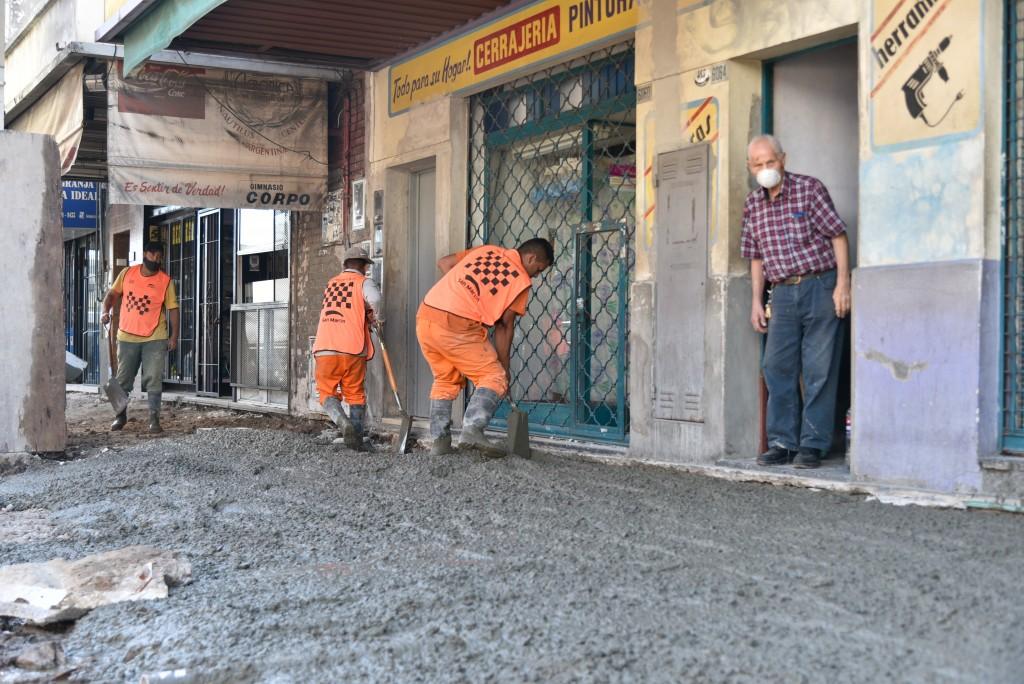 San Martín: Fernando Moreira recorrió las obras de puesta en valor del Centro Comercial de Tropezón