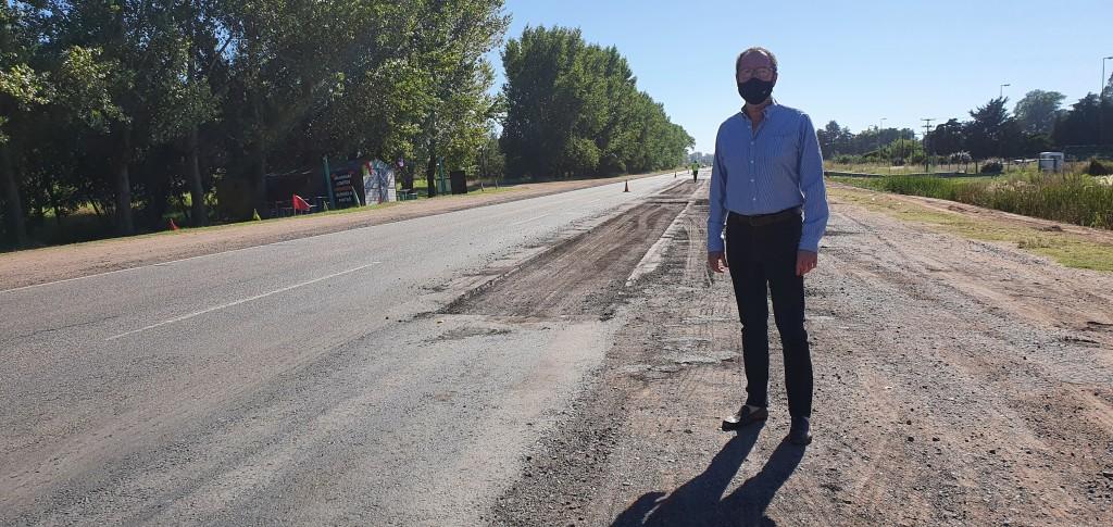 Carlos Casares: Tras el pedido del Intendente Vialidad Nacional comenzó a reparar la ruta 5