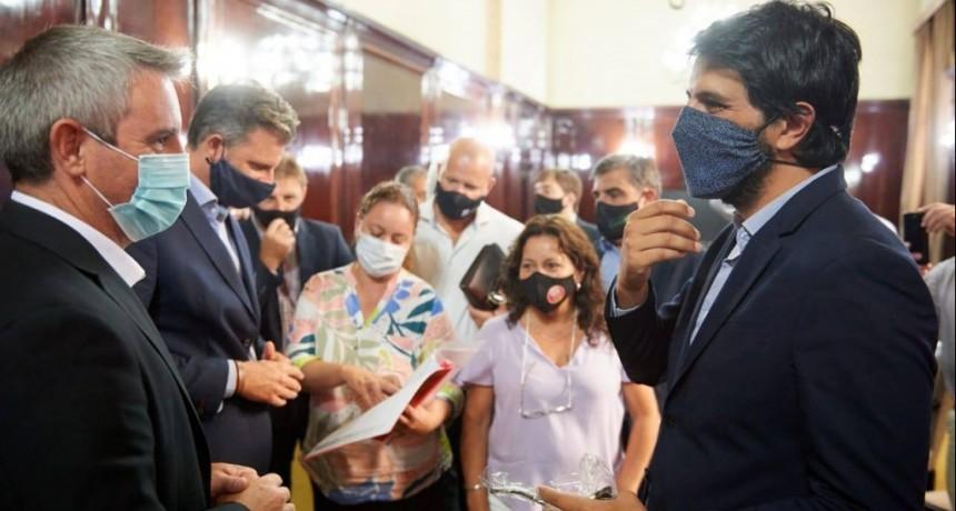 Colón: Llegan fondos para iniciar obra de recambio de cañerías en el distrito