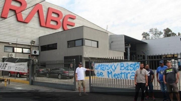 Continúa el conflicto por 46 trabajadores despedidos en Rabe
