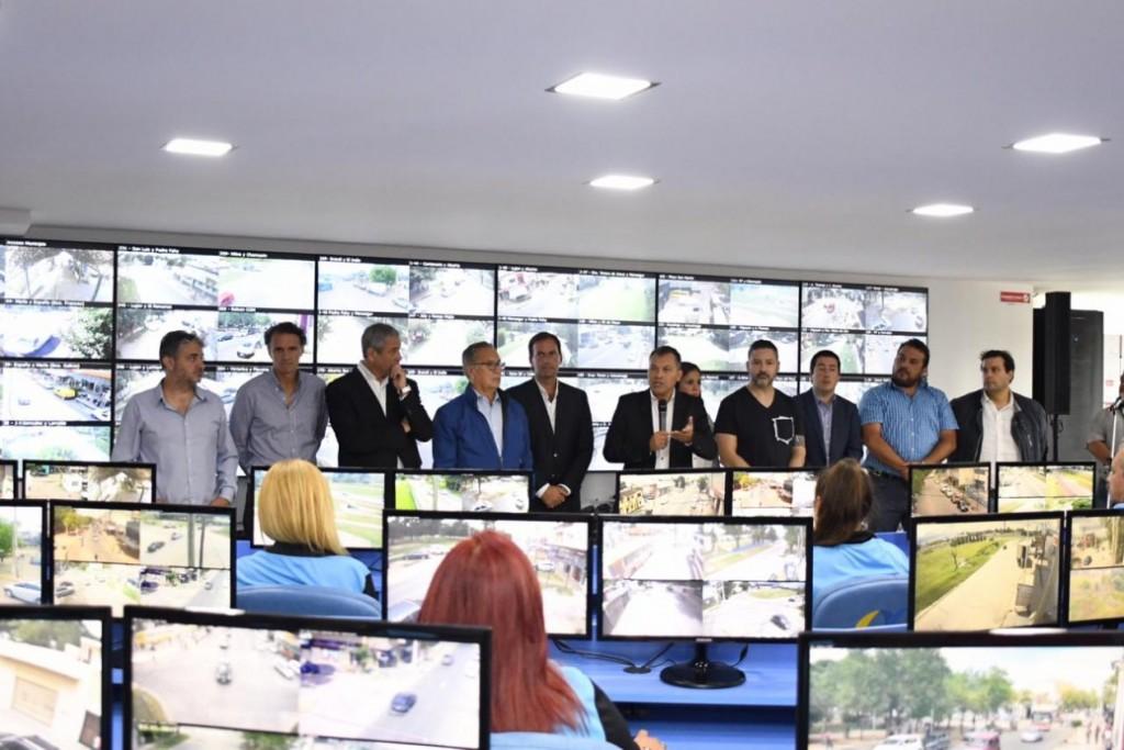 Moreno: Con gran apoyo de intendentes, Festa inauguró el Centro de Control Operativo