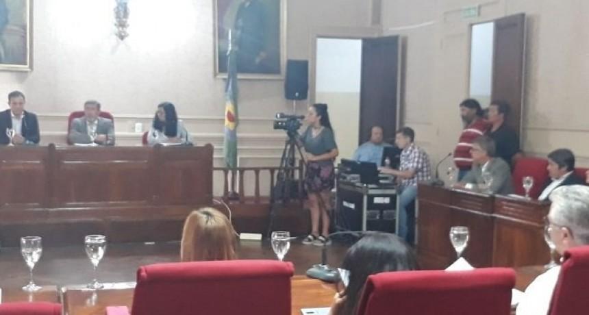Campana: En 29 segundos, el intendente Abella (Cambiemos), inauguró las sesiones