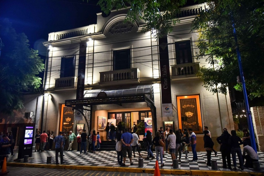 Escobar: El Teatro Seminari continúa con los shows gratuitos a beneficio de ´Hambre Cero´