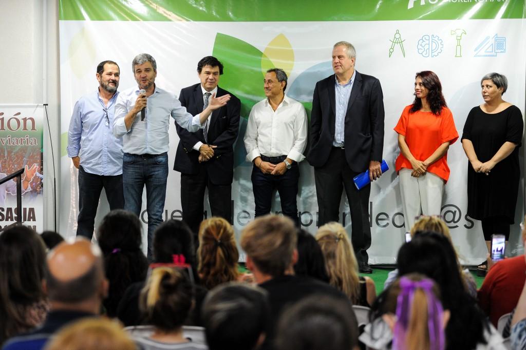 Hurlingham: Zabaleta y el ministro Moroni, inauguraron la Escuela de Emprendedores