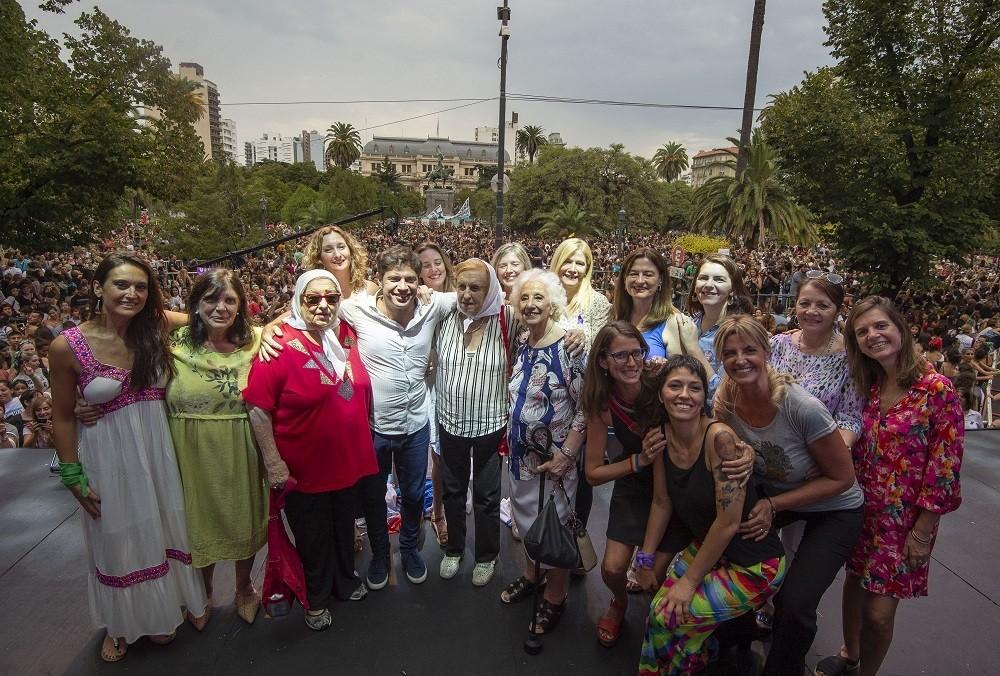 """Axel Kicillof: """"Vamos a convertir las luchas de las mujeres en políticas de Estado"""""""