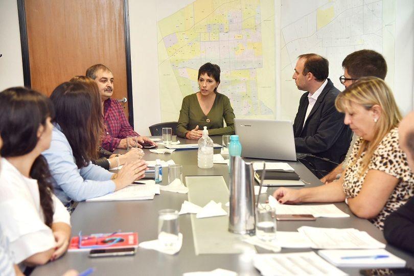 Mayra Mendoza detalló el protocolo de intervención sanitario a los concejales del HCD