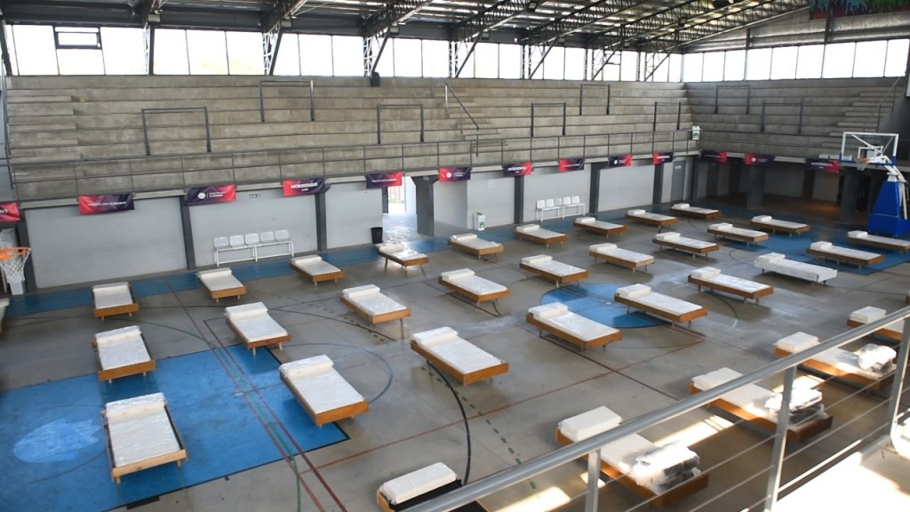 Escobar: Sujarchuk recorrió el Microestadio de Garín, nuevo espacio para atender la pandemia