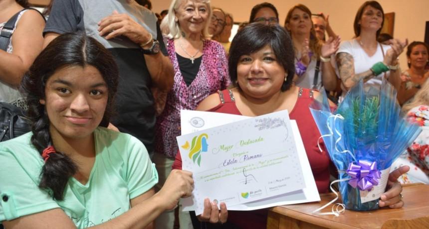 Gral. Rodríguez: Mauro García entregó un reconocimiento a 21 trabajadoras municipales
