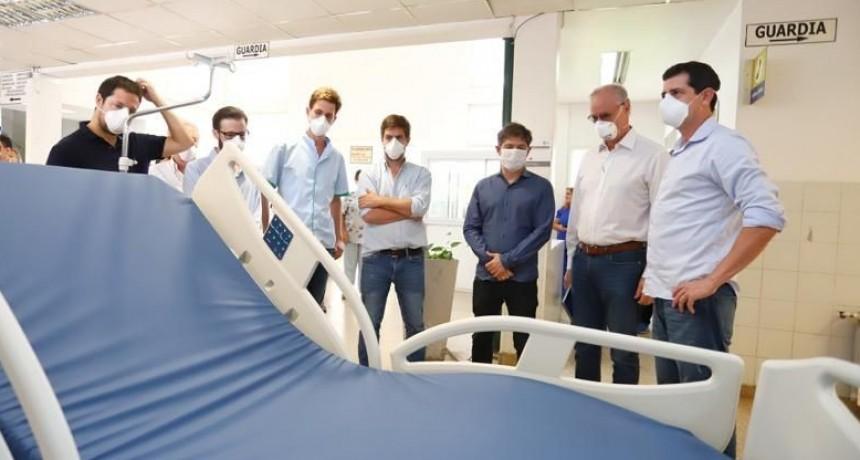 Mercedes: Kicilof visitó junto a Ustarroz el Hospital Dubarry y entregó 10 camas para UTI
