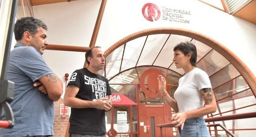 Mayra Mendoza recorrió el Centro de Aislamiento Sanitario montado en la Universidad de Quilmes