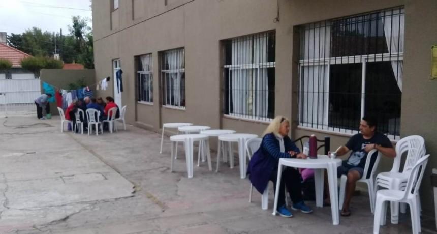 Morón: En la Colonia Municipal de Mar del Plata alojan a 50 personas en situación de calle