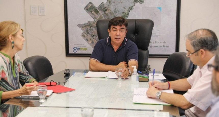 """Espinoza: """"La Matanza cuenta con 2600 camas entre centros de salud públicos y privados"""""""