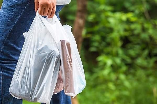 """Jacqueline Ramos: """"Es alarmante la cantidad de bolsas plásticas que se entregan todos los días en los negocios impunemente"""""""