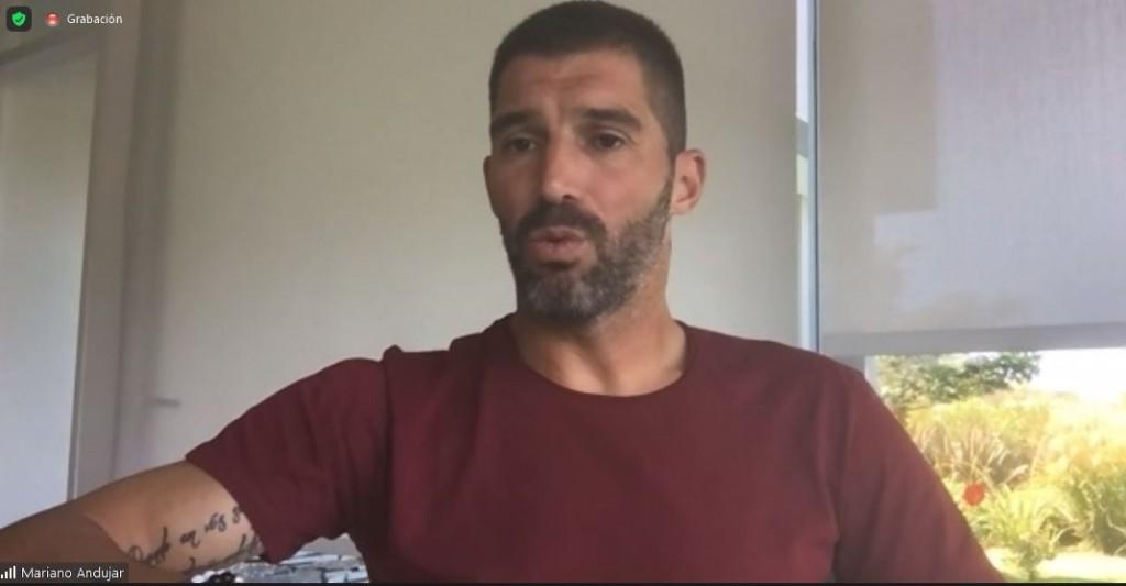 El arquero Mariano Andújar participó de una charla motivacional con privados de libertad de 20 cárceles bonaerenses